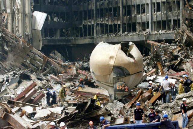 "Skultur \""Sphere\"" von Fritz Koenig am WTC"