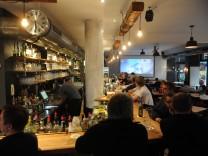 Flirten in münchen bars Home, Fluxus Digital Collection