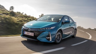hybrid oder elektro? - die zukunft von toyota - auto & mobil