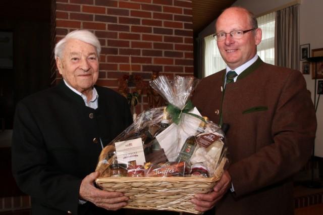 Bernhard Christ feiert 95. Geburtstag
