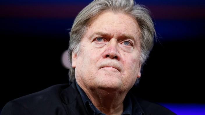 Stephen Bannon Breitbart Rücktritt