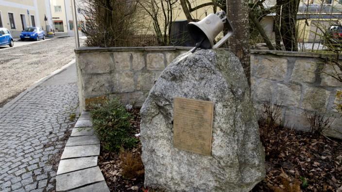Grafing Glockendiebstahl 1942, Denkmal