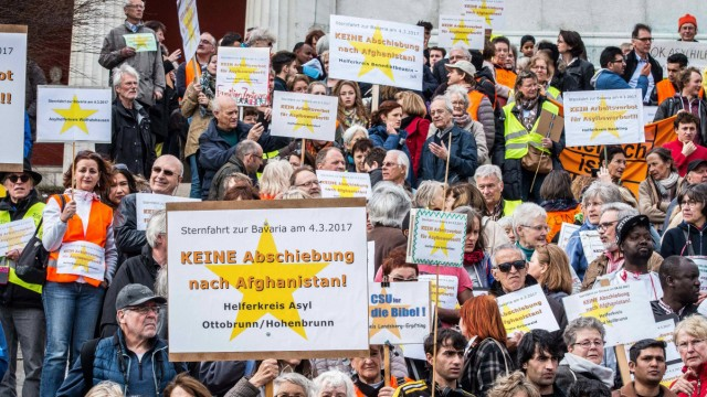 March 4 2017 More than 1 000 volunteers from over 120 asylum helper groups from Oberbayern south