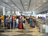 Ferienverkehr am Flughafen in München, 2013