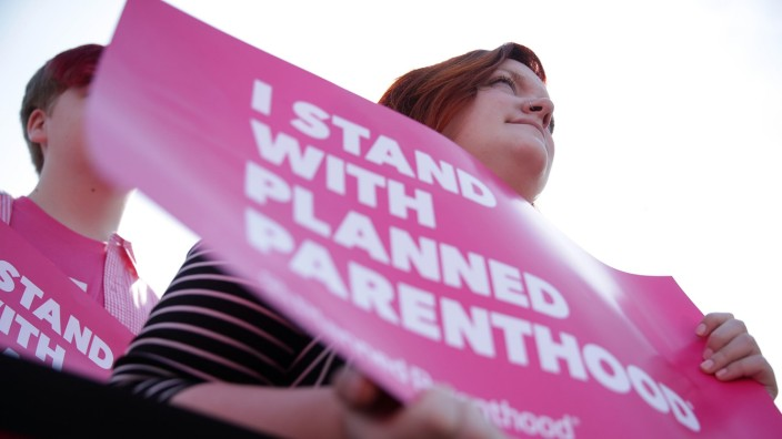 Schumer, Murray Speak At Planned Parenthood News Conference To Express Support