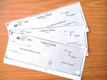 166 000 Dollar-Schecks aus Erbe in Flugzeug vergessen