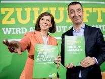 Karin Göring-Eckardt und Cem Özdemir präsentieren das Wahlprogramm für 2017