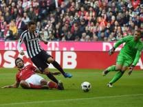 11 03 2017 xjhx Fussball 1 Bundesliga FC Bayern Muenchen Eintracht Frankfurt emspor v l Mats; Mats Hummels FC Bayern Frankfurt 2017