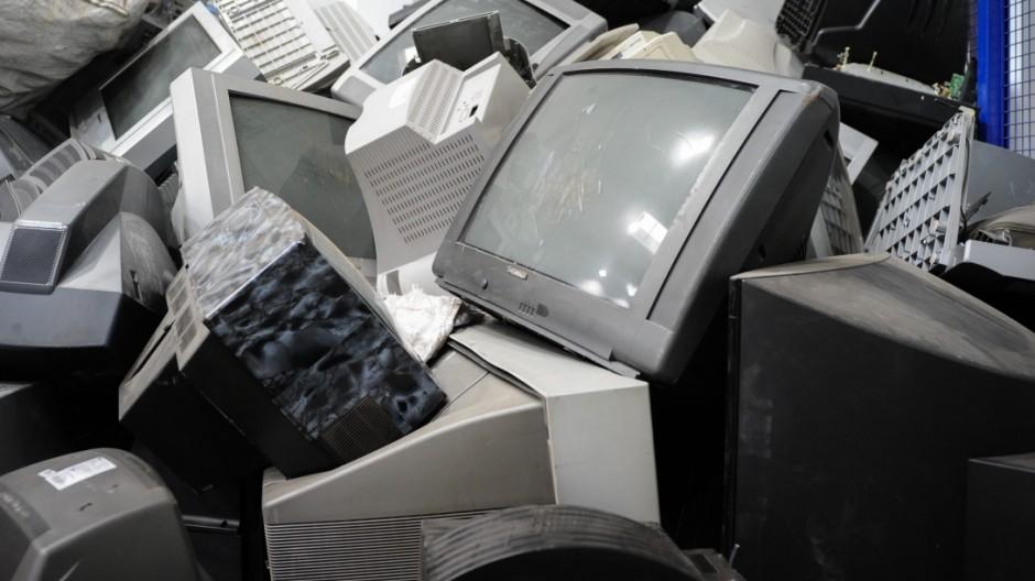 """Recyclingbetrieb des """"Weißen Raben"""" in Dornach, 2014"""