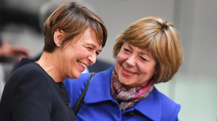 Elke Büdenbender und Daniela Schadt