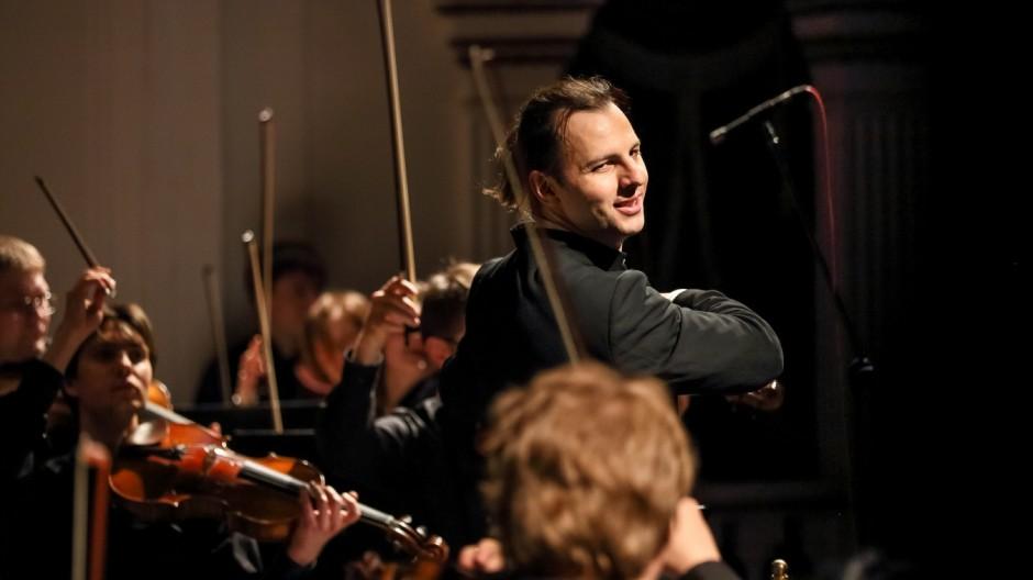 Dirigent Theodor Currentzis, geboren in Athen, aber in Perm ansässig