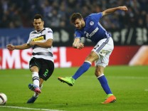FC Schalke 04 v Borussia Moenchengladbach - UEFA Europa League Round of 16: First Leg
