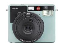 Die Leica Sofort liefert Bilder in der Größe von Visitenkarten.