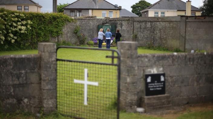 Kinderleichen in ehemaligem Mutter-Kind-Heim in Irland gefunden