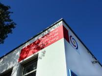 Landrat stellt FOS-Gebäude vor; FOS Starnberg