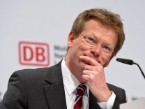 Dr Richard LUTZ Finanzvorstand Wirtschaft Bilanz Pressekonferenz der Deutschen Bahn im Congress C