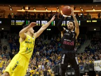 Basketball Berlin 24 03 2017 easyCredit BBL 1 Bundesliga Saison 2016 2017 Alba Berlin medi Ba