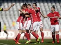 München: Fussball Frauen / FCB v Bayer 04 Leverkusen
