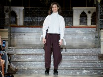 Nobi Talai : Runway - Paris Fashion Week Womenswear Fall/Winter 2017/2018