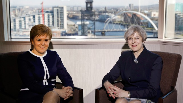 Theresa May trifft Nicola Sturgeon