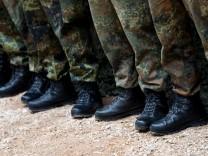 Grausame Traditionen, Mobbing und Übergriffe sollte es bei der Bundeswehr nicht mehr geben.