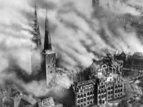Luftangriff auf Lübeck, 1942