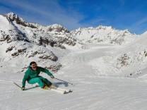 Aletsch Arena; Aletsch Arena Gletscher Wallis Schweiz Skifahren Skigebiet Ski Schneeschuh