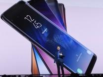 Samsung unveils new flagship smartphone