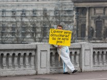 Protest in Lyon gegen Atomenergie March 18 2017 Lyon France Activist of the association Resea