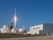 SpaceX startet Falcon-Rakete