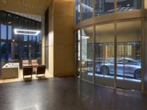 Porsche 911 im neuen Porsche Design Tower in Miami