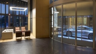 Der Sportwagen parkt in der eigenen Wohnung - Auto & Mobil ...