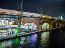Außenansicht der âÄžDB mindboxâÄœ, des Innovationslabors für die Eisenbahninfrastruktur