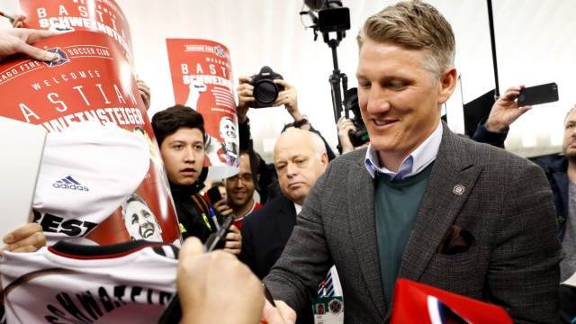 Schweinsteiger 'available' for Saturday, Chicago coach says