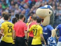 Gelsenkirchen Germany 01 04 2017 1 Bundesliga 26 Spieltag FC Schalke 04 BV Borussia Dortmund; Erwin