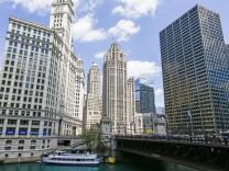 Gannett Company bids for Tribune Publishing; Chicago