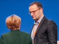 CDU-Bundesparteitag - Merkel und Spahn