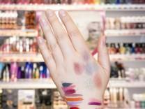 München: Brauchen wir Massen an Kosmetika? / Kosmetik Boom / Neuheiten