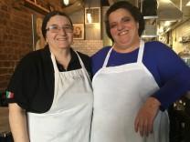 Adeline und Piera, Enoteca Maria, Staten Island