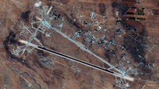 USA greifen syrischen Luftwaffenstützpunkt an