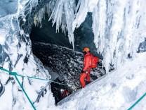 Gletscher In eisigen Tiefen