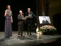 Wiebke Puls, Stefan Merki und Christian Löber lesen einen Schmidt-Text.