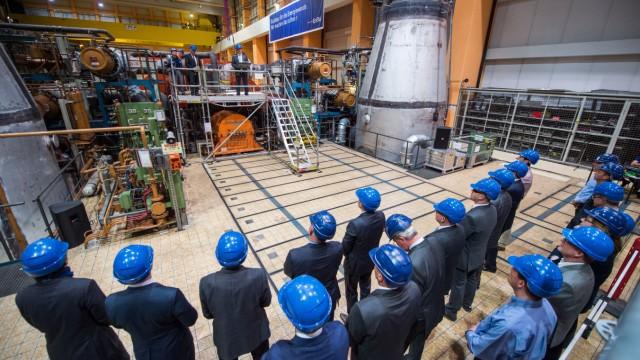 Symbolischer Start Abrissarbeiten am Atomkraftwerk Neckarwestheim