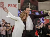 Spanien Pedro Sanchez während des PSOE Parteitags in Madrid Spanish Socialist party PSOE leader P