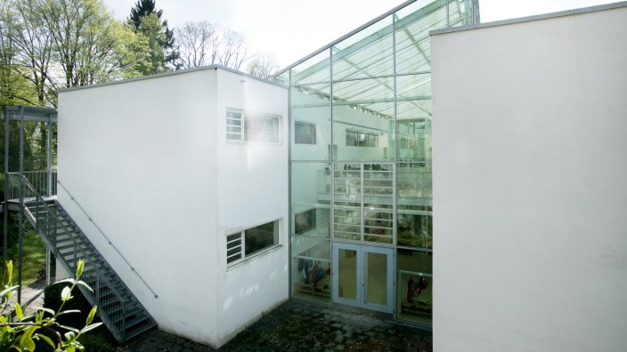 Schulcontainer am Schubinweg 3 (ist eine Grundschule) in Lochhausen. Pavillion, Baumängel