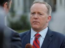 Trump-Sprecher Sean Spicer entschuldigt sich im CNN-Interview für seinen Hitler-Vergleich