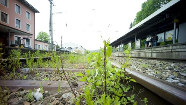 Bruck: S-Bahnhof / Marode Gleise