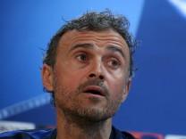 Barcelona news conference - UEFA Champions League Quarterfinal