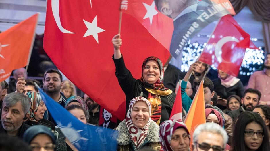 Themenpaket zum Türkei-Referendum