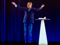 Jean-Luc Mélenchon als Hologramm